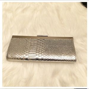 New Apt. 9 Silver Alligator Print Clutch